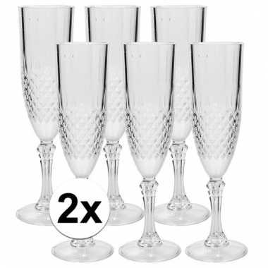 Camping 12 plastic champagne glazen kopen
