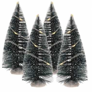 Camping kerst landschap kerstdorp bomen 4 stuks 15 cm met licht op batterijen kopen