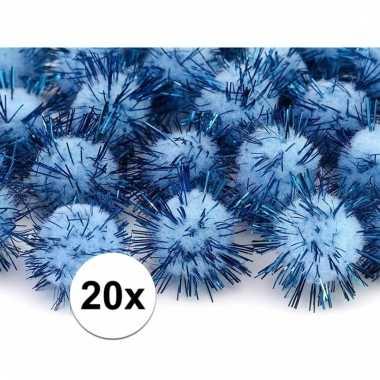 Camping lichtblauwe decoratie pompons 20 mm kopen