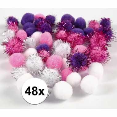 Camping wit/paarse decoratieve pompons 15-20 mm kopen